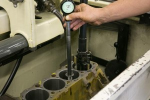 checking-engine-block-cylinders-for-size-after-honing