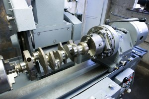 crankshaft-in-process-berco-crankshaft-grinder