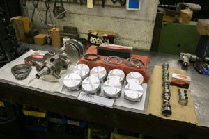 gas-automobile-engine-rebuild-camshaft-pistons-timing-chain-gears-rings-crankshaft