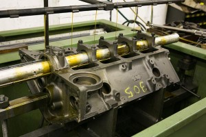 gas-engine-block-in-line-honing-machine