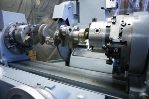 gas-engine-crankshaft-in-berco-engine-crankshaft-grinder