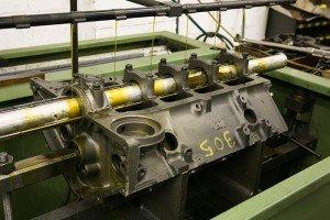 gas-engine-block-in-line-honing-machine