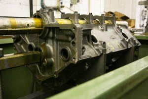 gas-engine-block-in-line-honing-machine-end-view
